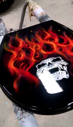 Sweet Thermochromic video for a toilet seat that changes color with temperature.