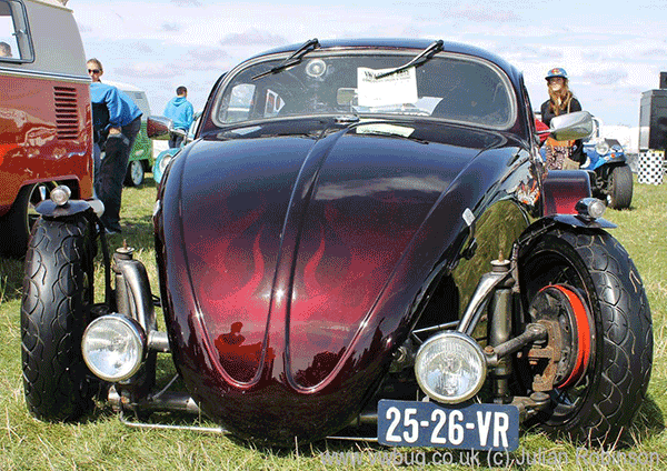 Kevin Salt's SoCal Vw Bug is Painted with Mostly Paint With Pearl products.